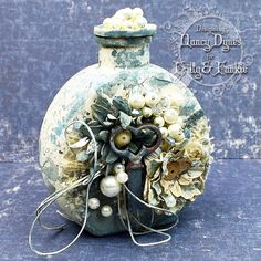 Frilly and Funkie: May 2017 Nancy Dynes - Tattered Treasures Glass Bottle Crafts, Bottle Art, Bottle Lamps, Painted Wine Bottles, Bottles And Jars, Glass Jars, Nifty Crafts, Diy And Crafts, Altered Bottles Tutorial