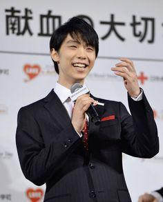 日本赤十字社のイベントに出席したフィギュアスケートの羽生結弦(1日、東京都内のホテル)=共同