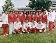 L'équipe de gymnastique du Canada pose aux Jeux olympiques de Montréal de 1976. (Photo PC/AOC)