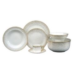Fill your wedding registry with one of these timeless fine china patterns. These options range from simple and chic to vibrant and festive. Wedding Reception, Wedding Bands, Fine China Patterns, Wedding China, Wedding Invitations Online, Inexpensive Wedding Venues, Romantic Moments, Gift Registry, Serving Bowls