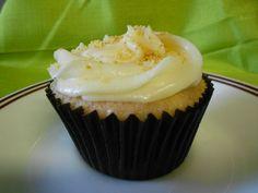 STRAWBERRY CHEESECAKE - strawberry cupcake w/ graham cracker crust, cream cheese frosting & graham cracker crumbs