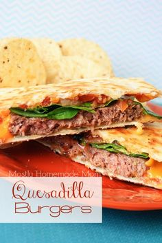 Quesadilla Burgers - Juicy grilled burgers served on a melty, cheddar cheese quesadilla, and topped with lettuce and pico de gallo! Quesadillas, Quesadilla Burgers, Quesadilla Recipes, Mexican Food Recipes, Beef Recipes, Cooking Recipes, Griddle Recipes, Copykat Recipes, Hamburger Recipes