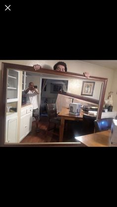 19 People Selling a Mirror on Craigslist Who Learned Taking a Picture of a Mirror is No Easy Feat - Humoring Dumb People, Stupid Things, Things To Sell, Picture Of A Mirror, Taking Pictures, Funny Pictures, Creepy Facts, Mirrors For Sale, Funny Times