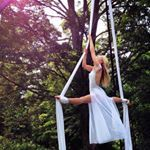"191 Likes, 5 Comments - Kama Fitness (@aerial_yoga_girl) on Instagram: ""ʟɪғᴇ ɪs ᴀ ᴅᴀɴᴄᴇ ʙᴇᴛᴡᴇᴇɴ ᴄᴏɴᴛʀᴏʟ ᴀɴᴅ sᴜʀʀᴇɴᴅᴇʀ - ʙᴇᴛᴡᴇᴇɴ ᴘᴜsʜɪɴɢ ᴀɴᴅ ʟᴇᴛᴛɪɴɢ ɢᴏ - ᴀɴᴅ ᴡʜᴇɴ ᴛᴏ ᴘᴜsʜ…"""