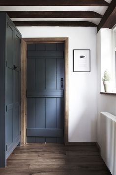 A modern kitchen for a 250 year old English cottage: gallery image 5 . - A modern kitchen for a 250 year old English cottage: gallery image 5 – Home Reno Ideas - Old Cottage, Cottage Homes, Cottage Gardens, Cottage Ideas, Coastal Cottage, Coastal Homes, Coastal Living, English Cottage Interiors, English Cottage Kitchens