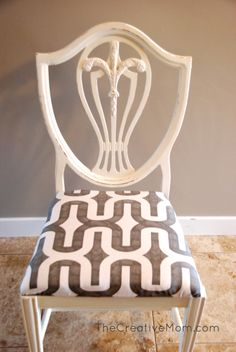 How to Paint a Chair {using Annie Sloan Chalk Paint} | The Creative Mom