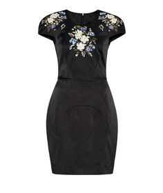 Discover the latest women's dresses from the new Cue collection. Shop our range of black dresses, evening dresses, floral dresses, casual dresses and… Buy Dresses Online, Casual Dresses, Formal Dresses, Evening Dresses, Fashion Looks, Stylish, My Style, Pretty, How To Wear