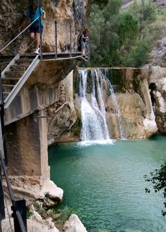 Beautiful Waterfalls, Spain Travel, Travel Around, Places To See, Funny Cats, Rio, To Go, Hiking, Europe