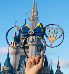 We love to know that you guys love your ears! Kingdom Hearts Tattoo, Disney Kingdom Hearts, Kingdom Hearts Keyblade, Disney Souvenirs, Disney Trips, Disney Diy, Cute Disney, Black Hair Bows, Disney Mickey Ears