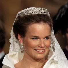 Belgium's Queen Mathilde, then marrying into a princess title, wore a tiara created by London-based jewelers Hennell & Sons on her wedding day. The Laurel Wreath piece features 631 diamonds and can be adapted into a necklace. Belgium's nobility gifted Mathilde with the beautiful headpiece in honour of her wedding to Prince Philippe. Photo: © Getty Images