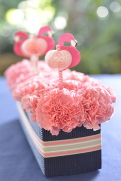 mke Lovely flower #centerpieces with #flamingoes fun with flowers!  get flowers, jars?