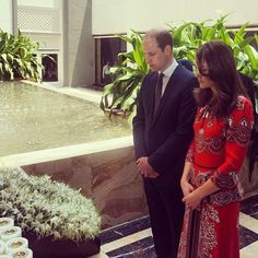 The Duke and Duchess arrive in Mumbai and lay a wreath at the Taj Palace Hotel Memorial to remember the victims of the 2008 terror attacks. Their Royal Highnesses then chatted to staff who helped to protect guests during the attacks #RoyalVisitIndia