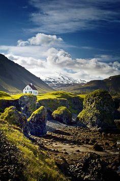Valley Home, Iceland photo via ellana
