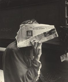 © Robert Frank, New York, 11th Street and Broadway, 1951.