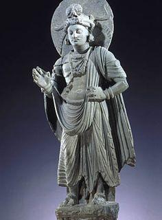 Pakistan, art du Gandhâra, site de Shahbaz-Garhi  Époque Kouchane, Ier-IIIe siècle   Schiste   Hauteur : 120 cm   Mission Foucher  Museè Guimet, Paris