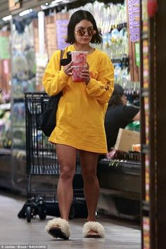 Vanessa Hudgens puts on a leggy display watermelon shop Vanessa Hudgens Legs, Asian Wedding Dress Pakistani, Chill Style, Yellow Fashion, Celebrity Style, Autumn Fashion, Casual Outfits, Street Style, How To Wear