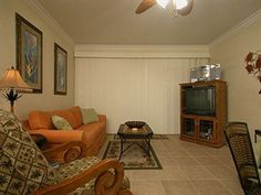 You'll enjoy your gulfview location near the ferry in Fort Morgan, AL, when you #vacation in The Indies 408. Sleep 6, 7 or 8 in 3 bedrooms including 2 queens, a pair of twins and a sleeper sofa. Swim in the outdoor pool or soak up the rays on the rooftop sundeck with misting stations when not at the white-sand #beach. #FortMorgan #GulfShores  http://www.meyerre.com/property/Indies_The_408