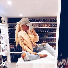New bomber 🍊🍊🍊 Sporty Outfits, Trendy Outfits, Cool Outfits, Summer Outfits, Summer Clothes, Winter Outfits, Girl Fashion, Fashion Outfits, Fashion Styles