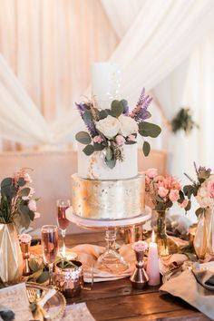 Modern white and lavender wedding cake