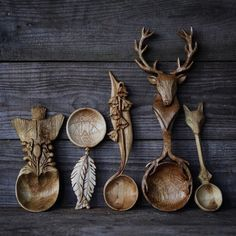 voiceofnature: Amazing wooden carved spoons by Giles . voiceofnature: Amazing wooden carved spoons by Giles Newman. Love Spoons, Carved Spoons, Ceramic Spoons, Kitchen Witchery, Witch Decor, Wood Spoon, Wood Art, Wood Projects, Whittling Projects