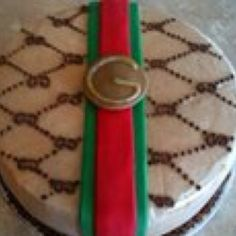 Gucci logo cake