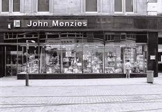 John Menzies where I learnt that books don't have aged limits and bought the Alien book when I was about movie was an 18 so I could not go to see it. Dundee City, Online Scrapbook, Commercial Street, Old Photos, Scotland, The Past, Photo Wall, Explore, Places