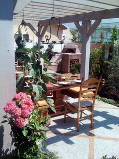 Exotic Outdoor Rooms by Jamie Durie | The Outdoor Room With Jamie Durie : Jamie Durie : Home & Garden Television | HGTV