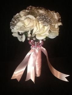 Bridal bouquet with brooches
