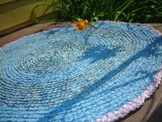 Crochet Rug from Recycled Sheets
