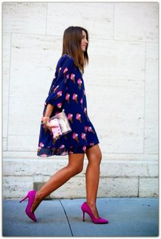 Peacock blue and fuchsia, gorgeous combination. Loving those courts and clutch!