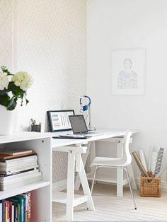 Decorating studies and workspaces http://comoorganizarlacasa.com/en/decorating-studies-workspaces/ Decoración de espacios de trabajo y estudio #Decor #Decorideas #Decoratingstudiesandworkspaces #Homedecoideas #ideasforhome #Interior