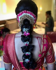 wedding hairstyles indian Thank you Sanjani for picking team to doll you up in for your ceremony! You looked stunning amp; so elegant Bridal Hairstyle Indian Wedding, Long Bridal Hair, Bridal Hair Buns, Bridal Hairdo, Hairdo Wedding, Indian Wedding Hairstyles, Wedding Stage, Saree Hairstyles, Ethnic Hairstyles