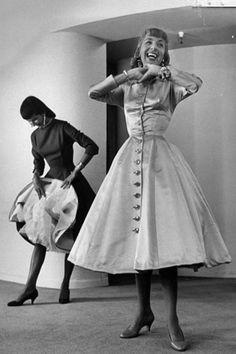 1959 fashion by designer Anne Fogarty