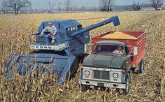 This is a Fendt - Kubota - Valtra - Case - Deutz-Fahr Antique Tractors, Vintage Tractors, Vintage Farm, Vintage Trucks, Retro Vintage, Big Tractors, Farmall Tractors, Ford Tractors, Old Ford Trucks