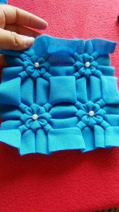 Одноклассники Lots of smocking ref Smocking Tutorial, Smocking Patterns, Knitting Patterns, Sewing Patterns, Embroidery Fabric, Hand Embroidery Patterns, Fabric Art, Embroidery Designs, Sewing Hacks
