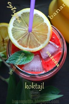 Fit cocktail with banana, Truskaw, lemon juice and mint! Some ice and cool;) #cooking #diet #fit #summer #strawberries #cocktail #heat
