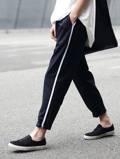 Black Side Stripe Print Straight Pants