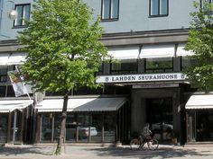 Sijaitsee aivan Lahden keskustassa Aleksanterinkadulla. Se on valittu myös Euroopan parhaimmaksi kaupunkihotelliksi.