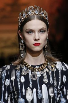 Dolce & Gabbana Fall 2018 Ready-to-Wear Fashion Show Details