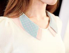 Collar for light cream and pastel coloured clothes.