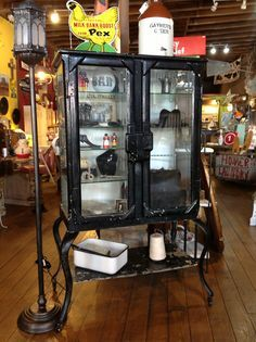 Hammer N Heels Antiques Weatherford, Tx Late 1800u0027s Dr . Small Medical  Cabinet