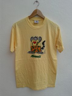 20% YEAR END SALES Vintage 90s Big Cat I Love Pineapple Papp Bkliban Hawaii Carzy Shirt Surfing Gear T-Shirt - $16.80 USD