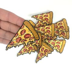 Pizza Slice Patch / Iron-On Embroidered von WildflowerandCompany