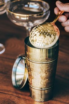 #blog #blogger #drinks #drinkstagram #cocktails #bar #bars #alchemy #gin #lemon #champagne #veuveclicquot #thefrench75 Cocktails For Beginners, Gin Lemon, French 75, Wmbw, Moscow Mule Mugs, Alchemy, Barware, Champagne, Easy Meals