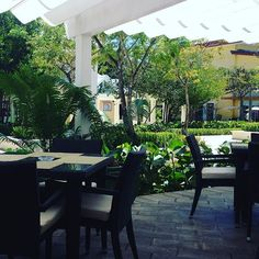 Do you need a table for lunch? Try this one at Mama Luisa Italian restaurant at PUNTACANA Village  #puntacanaguide #lunch  #restaurant #goodfood #letseat
