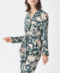 Chemise fleur beauty - Imprimé - Dernières tendances Automne Hiver 2016 en mode femme chez OYSHO online : lingerie, vêtements de sport, pyjamas, bain, maillots de bain, bodies, robe de chambre, accessoires et chaussures.