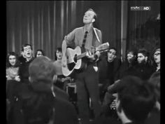 Pete Seeger, We Shall Overcome (Version #02), Berlin, DDR (GDR), 1967 - YouTube