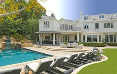 Robbie Williams Lists Los Angeles Mansion  LOCATION: Beverly Hills (Post Office), CA PRICE: $11,000,000  SIZE: 10,681 square feet, 7 bedrooms, 11 bathrooms
