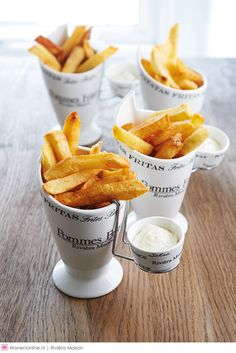 Buy Riviera Maison Pommes Frites Holder online with Houseology's Price Promise. Full Riviera Maison collection with UK & International shipping. Aspen, Rivera Maison, Snack Recipes, Snacks, Always Hungry, Food Court, French Food, French Decor, Food Design