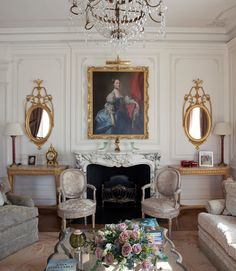 Living Room in Channel Islands Elegance by Janine Stone & Co on Luxury Home Decor, Luxury Interior Design, Luxury Homes, Traditional Interior, Classic Interior, Traditional Design, Living Room New York, European Decor, English Decor